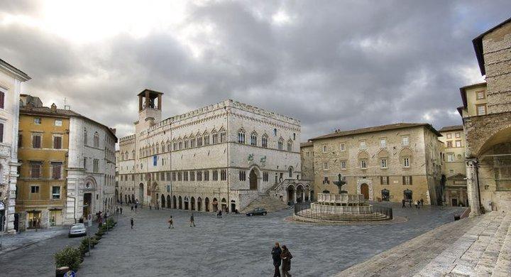 Perugia for Arredare milano piazza iv novembre